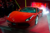 video-can-canh-ferrari-488-gtb