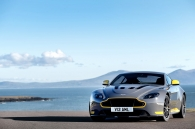 aston-martin-v12-vantage-s-moi-se-co-them-tuy-chon-so-san