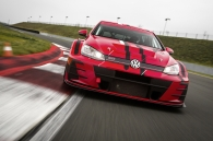 video-volkswagen-golf-gti-tcr-dat-suc-manh-345-ma-luc