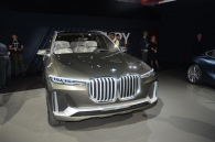 la-auto-show-2017-bmw-ra-mat-x7-iperformance-concept-co-lon