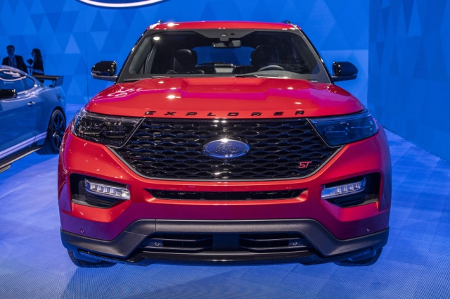 ford-explorer-2020-chot-gia-ban-cao-nhat-gan-14-ty-dong
