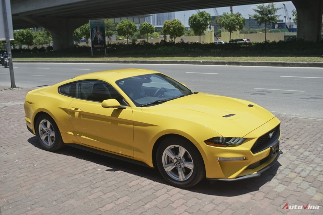 xe-co-bap-my-ford-mustang-gia-hon-2-ty-dong-tai-viet-nam