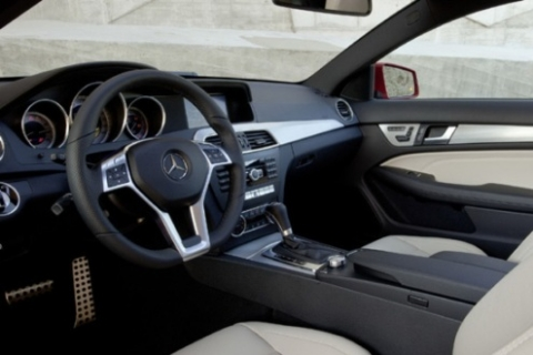 hinh-anh-moi-nhat-cua-c-class-coupe-2012