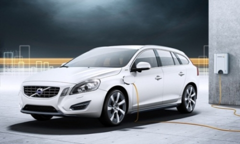 can-canh-volvo-v60-xe-plug-in-hybrid-may-dau