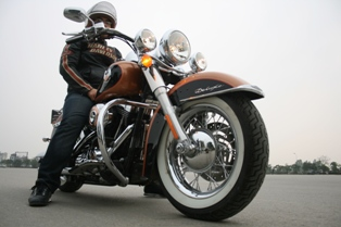 harley-davidson-softail-deluxe-sang-trong-theo-chat-my