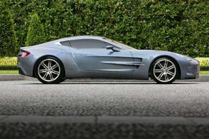 aston-martin-one-77-phe-ngoi-vanquish-ve-toc-do