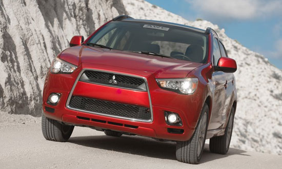 mitsubishi-outlander-sport-co-gia-tu-19275-usd-tai-my