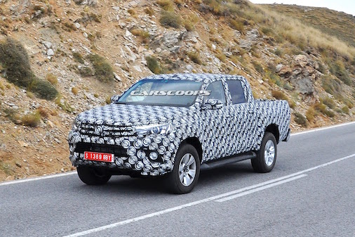lo-dien-toyota-hilux-2015