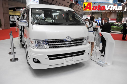 can-canh-toyota-hiace-ban-cao-cap-10-cho