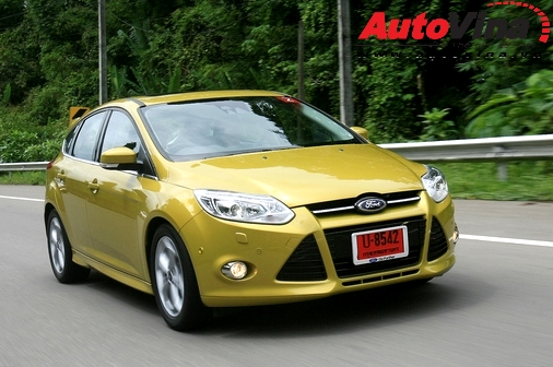 ford-focus-2012-tot-ca-go-ca-son