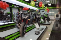 quang-phuong-mo-showroom-kawasaki-tai-long-an