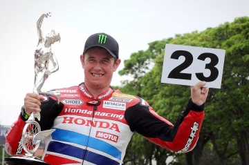 john-mcguinness-huyen-thoai-king-of-mountain